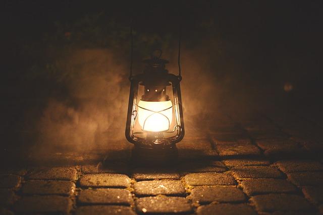 petrolejová lampa